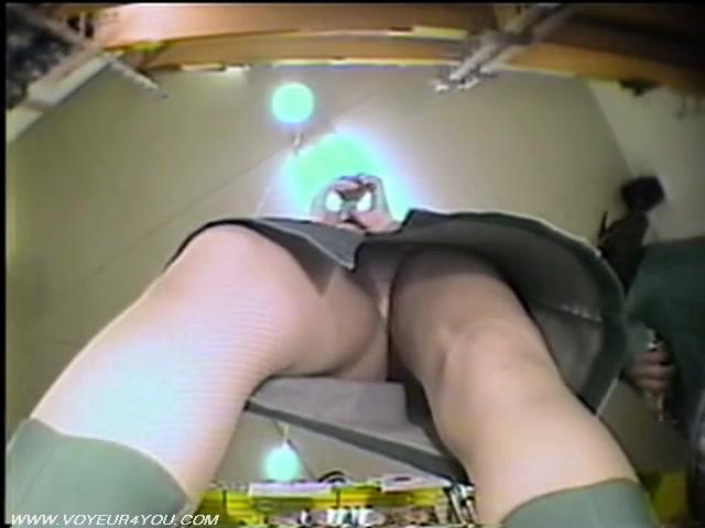 скрытая веб камера онлайн посмотри в а под юбки - 7
